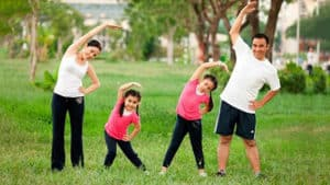 parentings-exercising-with-children